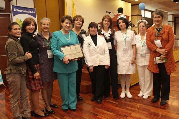 Certificado en Buenas Prácticas de Elaboración en la Central de Mezclas (bpe) por el INVIMA en el Servicio Farmacéutico. (2013)